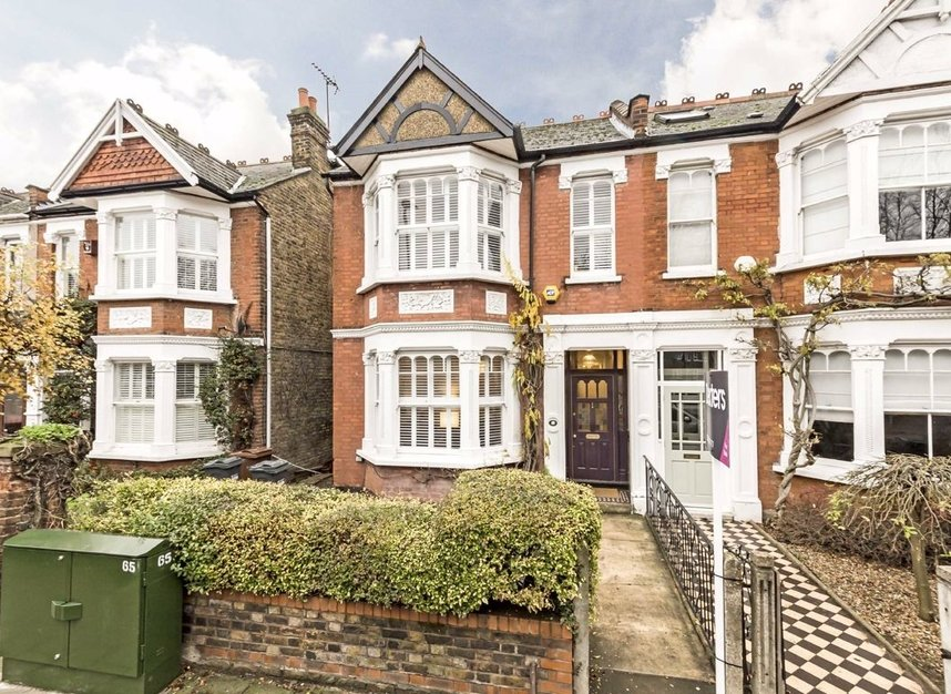 Properties for sale in Thornbury Road - TW7 4LN view1