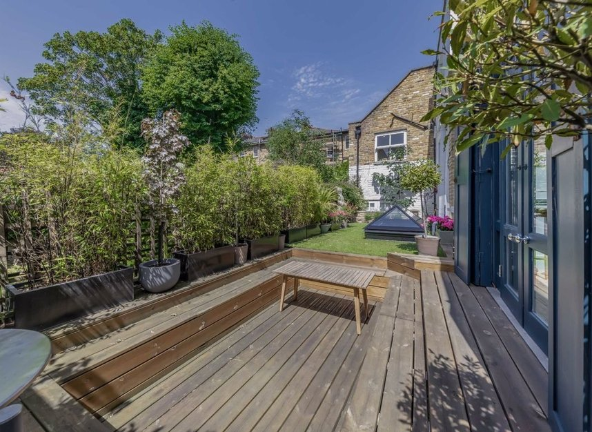 Properties for sale in Thornhill Road - N1 1JT view9