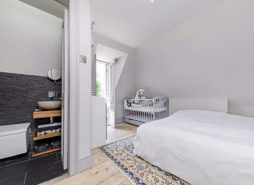 Properties for sale in Thornhill Road - N1 1JT view8