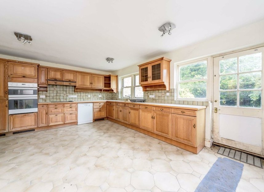 Properties for sale in Thornton Hill - SW19 4HS view3