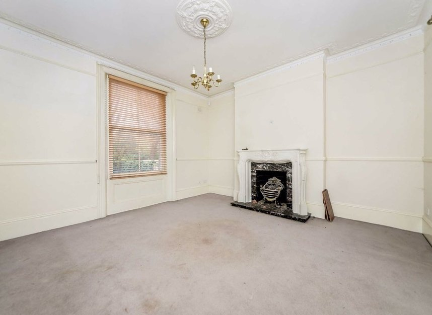 Properties for sale in Thornton Hill - SW19 4HS view4