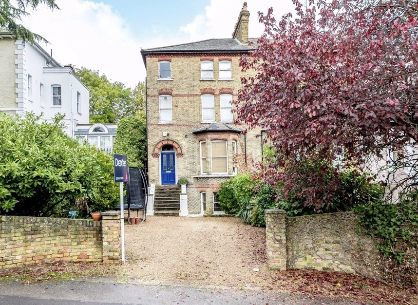 Properties for sale in Thornton Hill - SW19 4HS view1