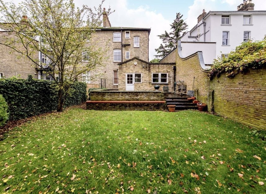 Properties for sale in Thornton Hill - SW19 4HS view7
