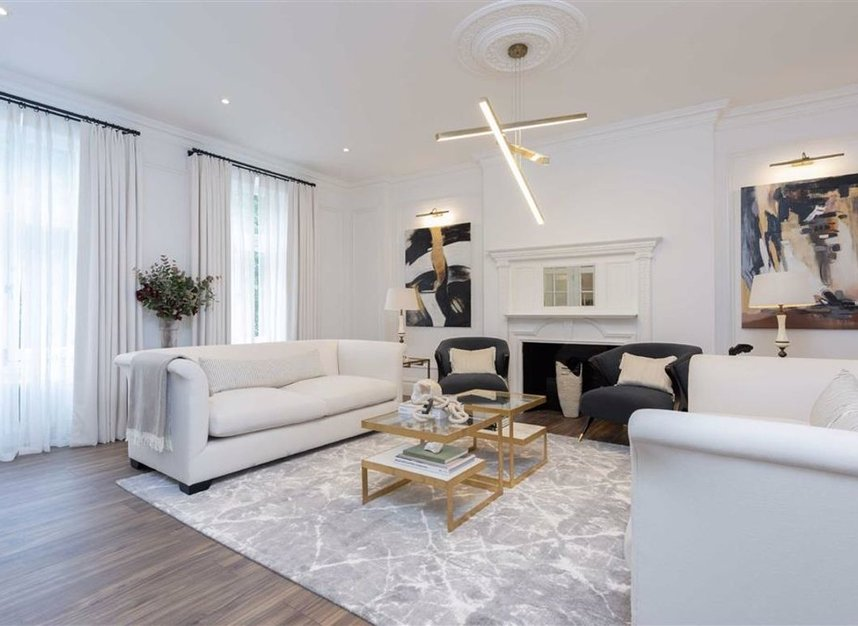 Properties for sale in Thurloe Place - SW7 2RU view2