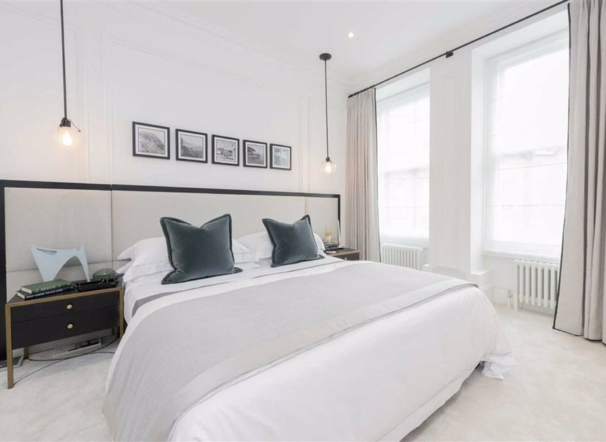 Properties for sale in Thurloe Place - SW7 2RU view6