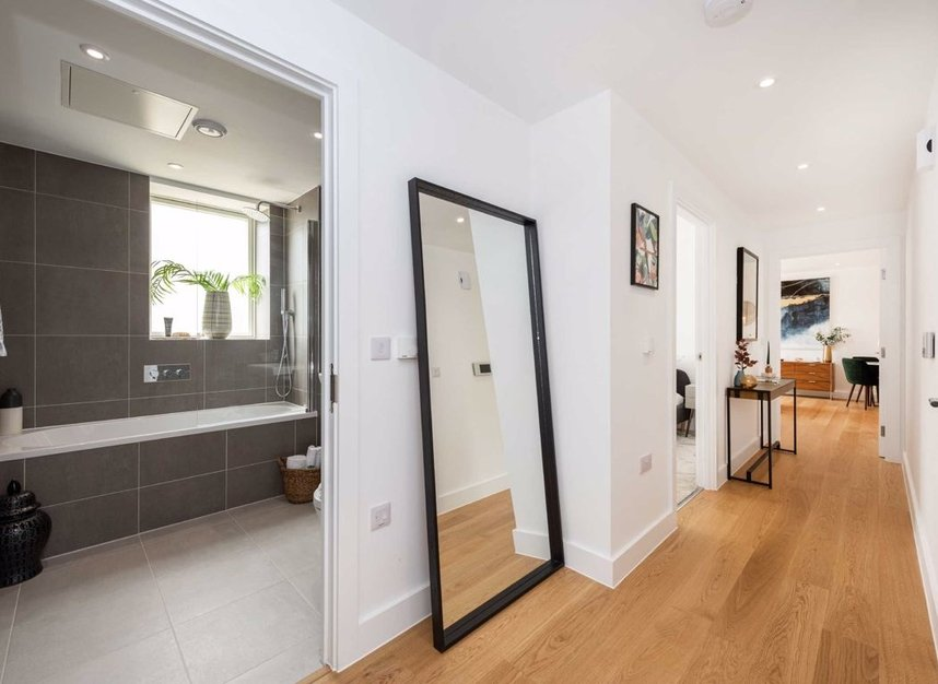 Properties for sale in Tollgate Gardens - NW6 5FU view5