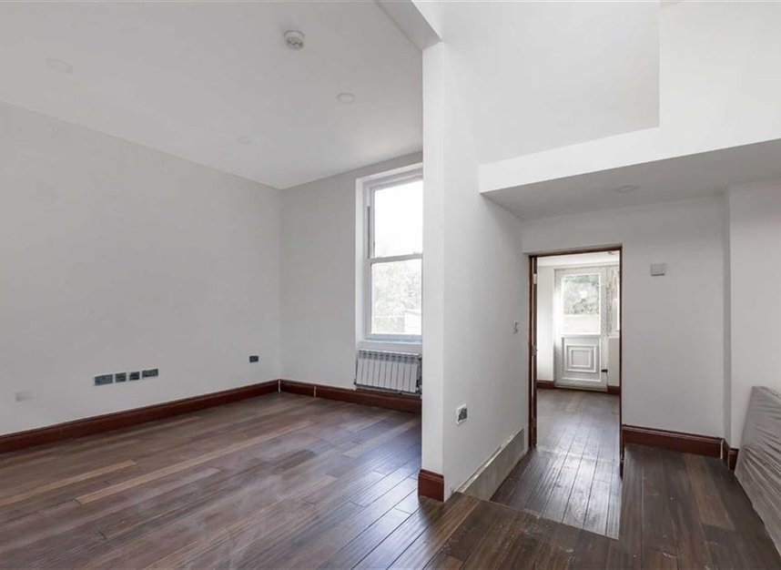Properties for sale in Trafalgar Avenue - SE15 6NP view7