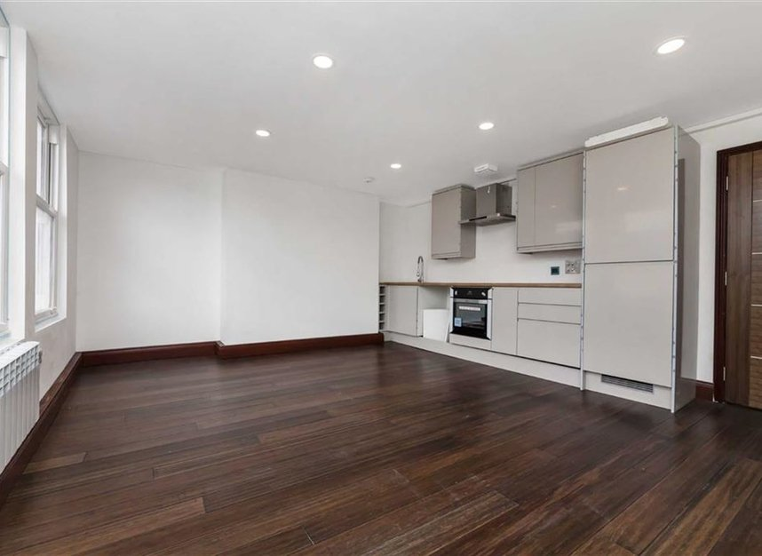 Properties for sale in Trafalgar Avenue - SE15 6NP view1