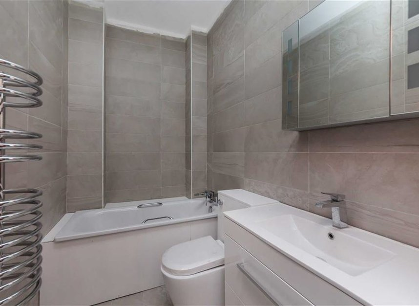 Properties for sale in Trafalgar Avenue - SE15 6NP view8