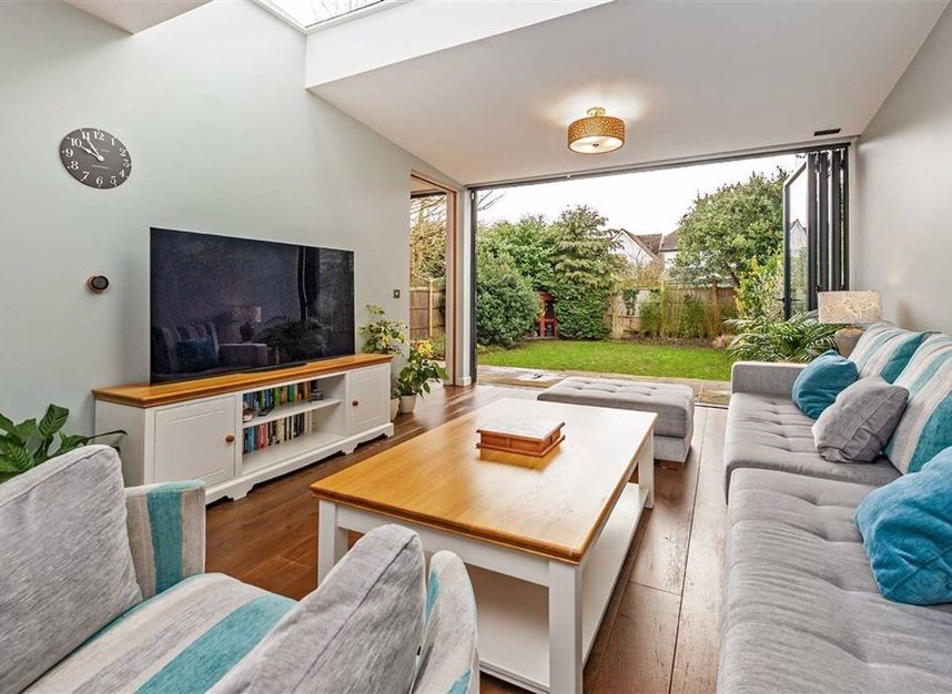 Properties for sale in Trowlock Avenue - TW11 9QT view2