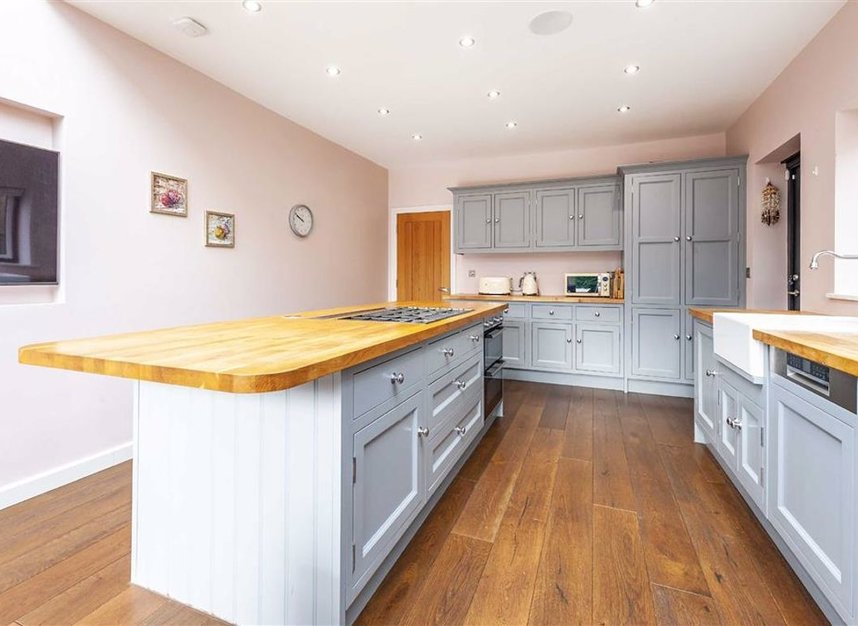 Properties for sale in Trowlock Avenue - TW11 9QT view5