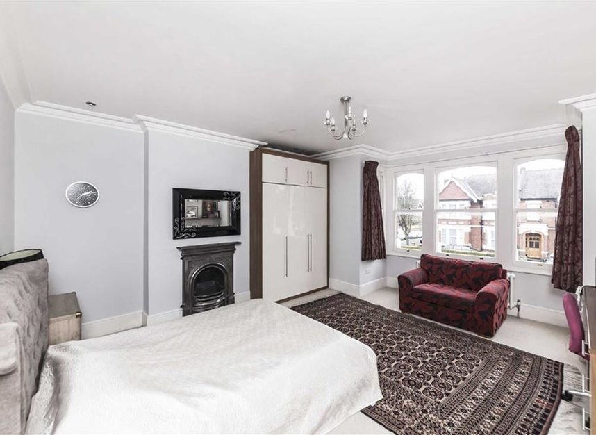 Properties for sale in Twyford Avenue - W3 9QB view8