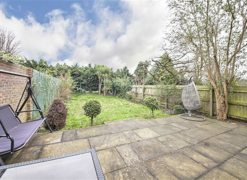 Properties for sale in Twyford Avenue - W3 9QB view11