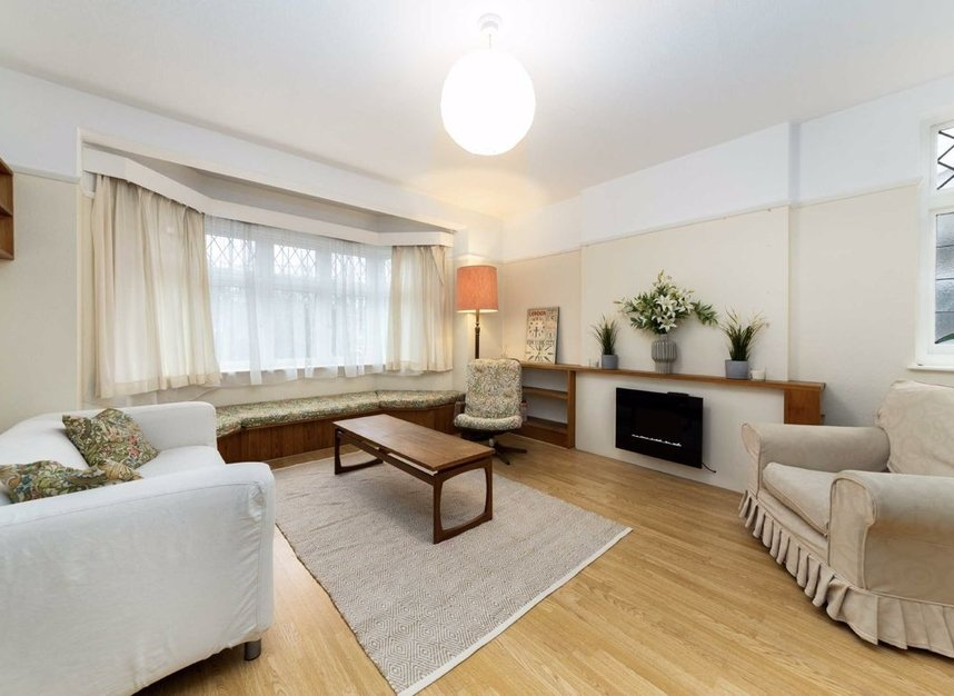 Properties for sale in Vale Lane - W3 0DY view2