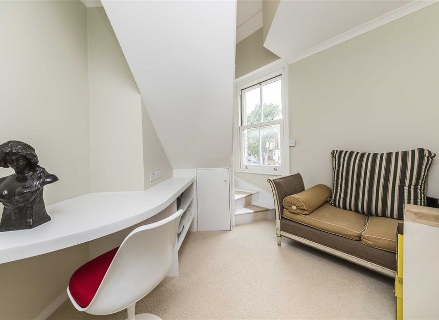 Properties for sale in Vauxhall Grove - SW8 1TD view2