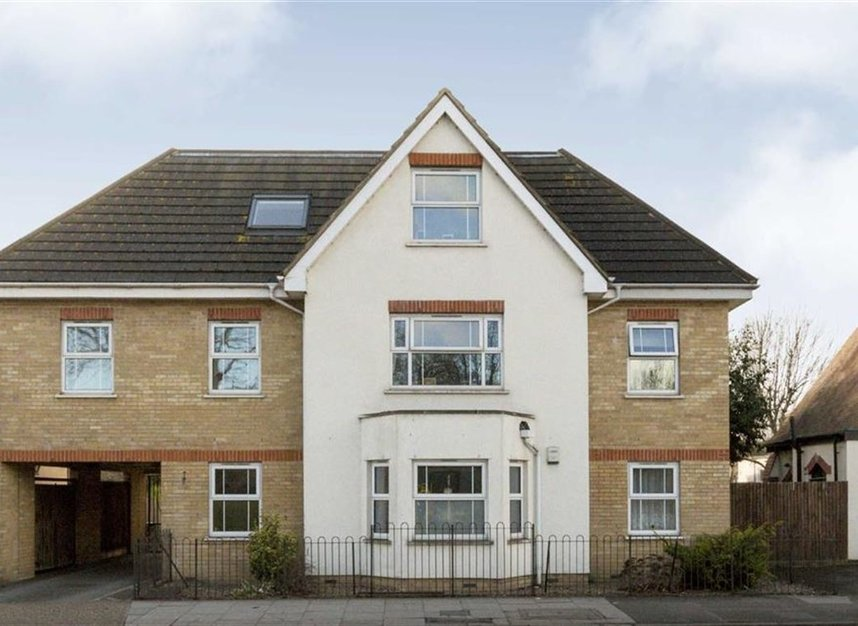 Flat For Sale In Villiers Road Kingston Upon Thames Kt1