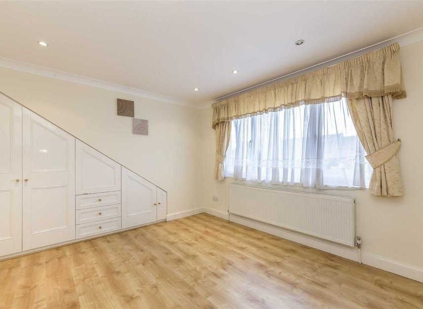 Properties for sale in Vyner Road - W3 7LY view8