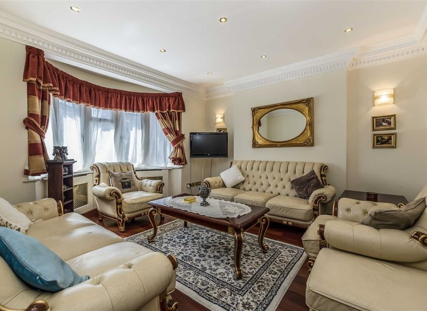Properties for sale in Vyner Road - W3 7LY view2