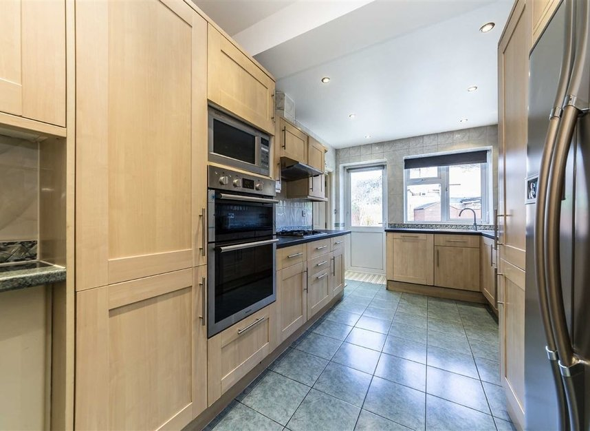 Properties for sale in Vyner Road - W3 7LY view5