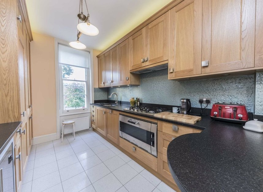 Properties for sale in Warwick Avenue - W9 2PT view5