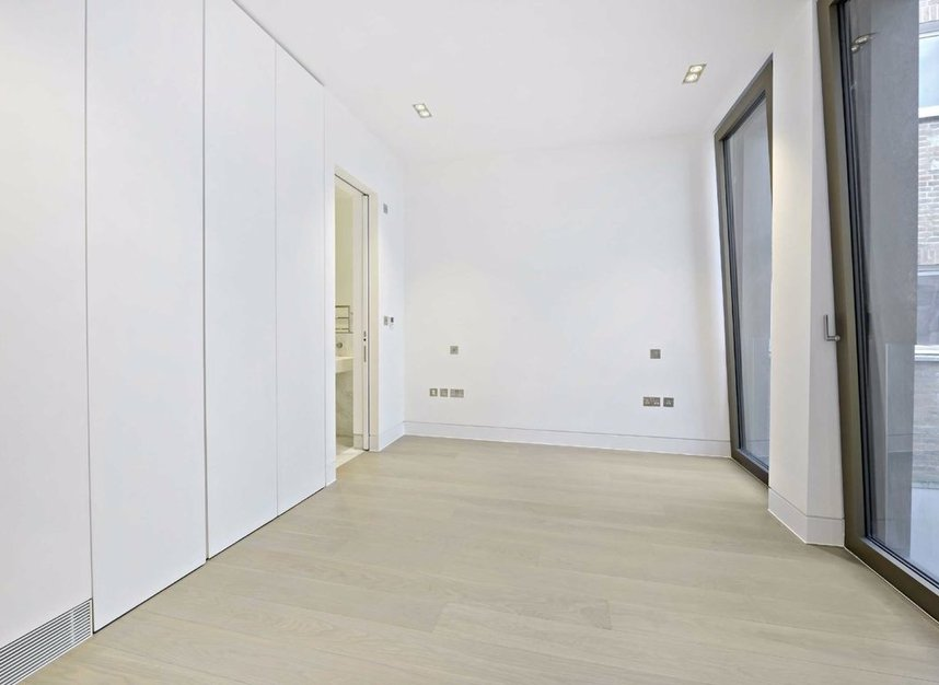 Properties for sale in Warwick Court - WC1R 5DJ view4
