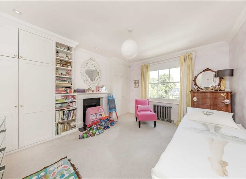 Properties for sale in Warwick Gardens - W14 8PP view12