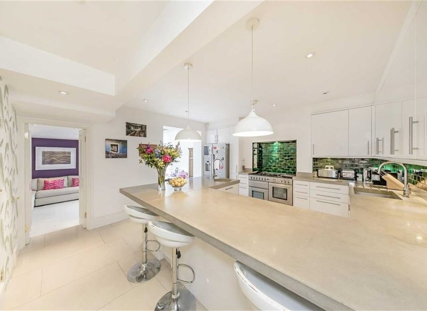 Properties for sale in Warwick Gardens - W14 8PP view4