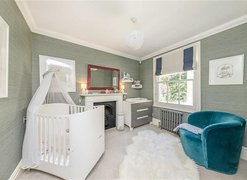 Properties for sale in Warwick Gardens - W14 8PP view13
