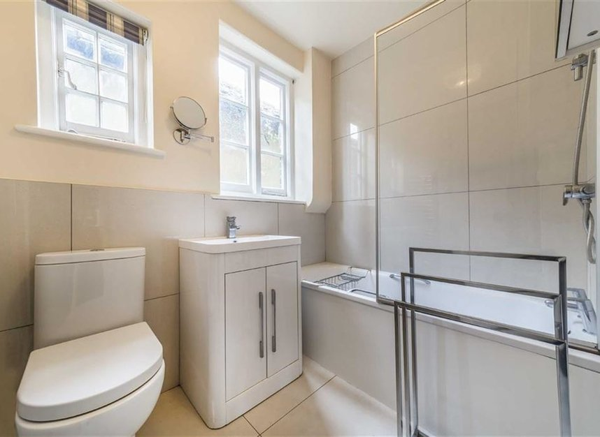 Properties for sale in Wensleydale Road - TW12 2LT view5