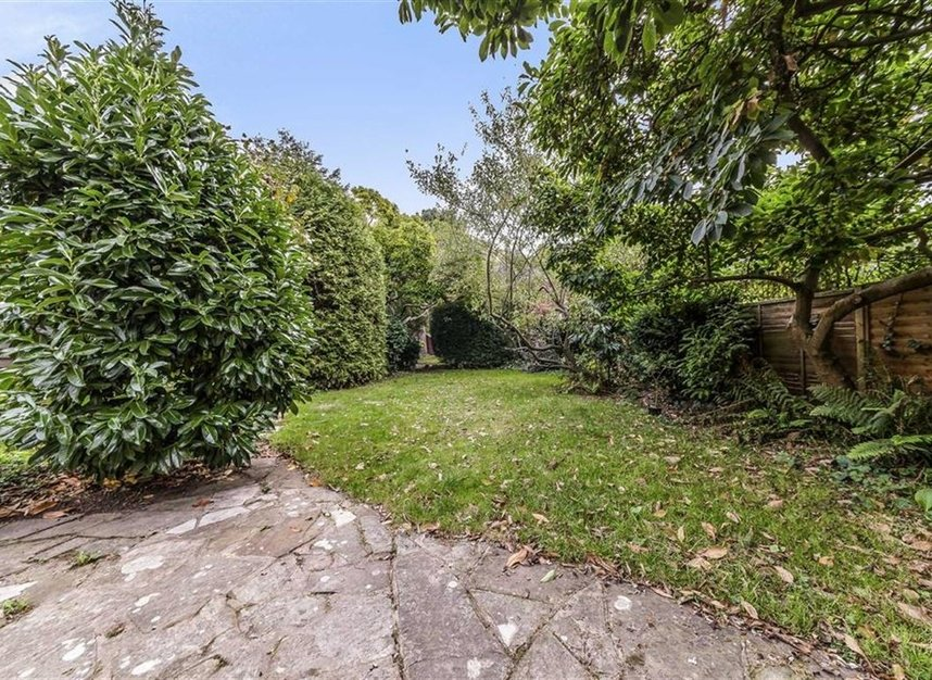 Properties for sale in Wensleydale Road - TW12 2LT view6