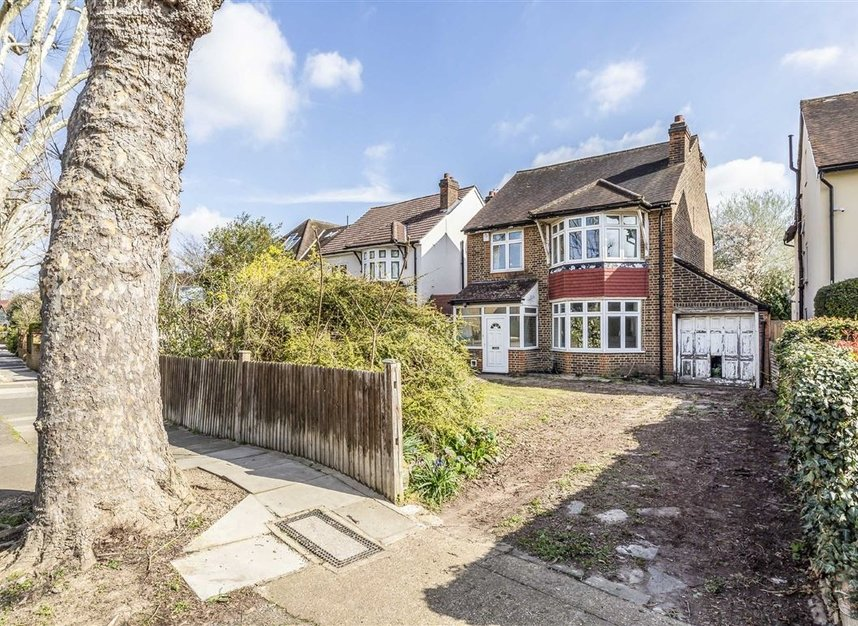 Properties sold in Wensleydale Road - TW12 2LT view1