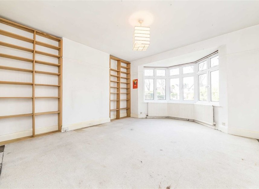 Properties sold in Wensleydale Road - TW12 2LT view2