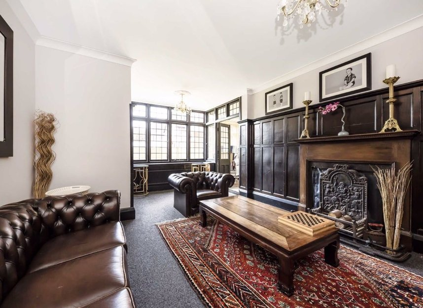 Properties for sale in Wensleydale Road - TW12 2LZ view3