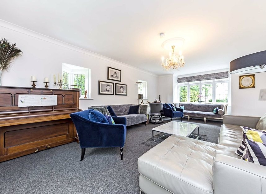Properties for sale in Wensleydale Road - TW12 2LZ view2