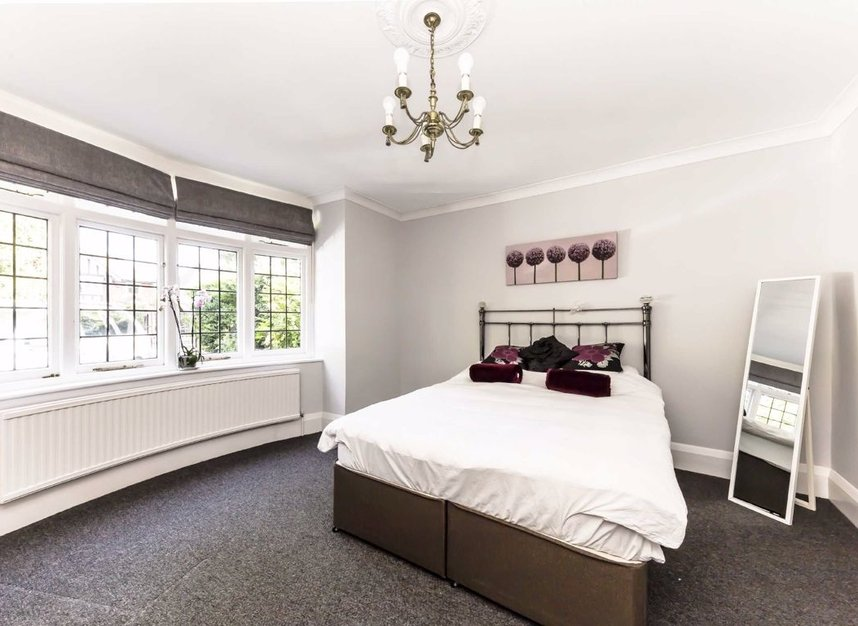 Properties for sale in Wensleydale Road - TW12 2LZ view7