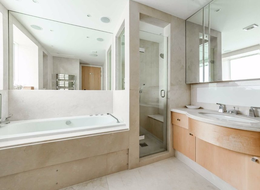 Properties for sale in West Heath Road - NW3 7TH view11
