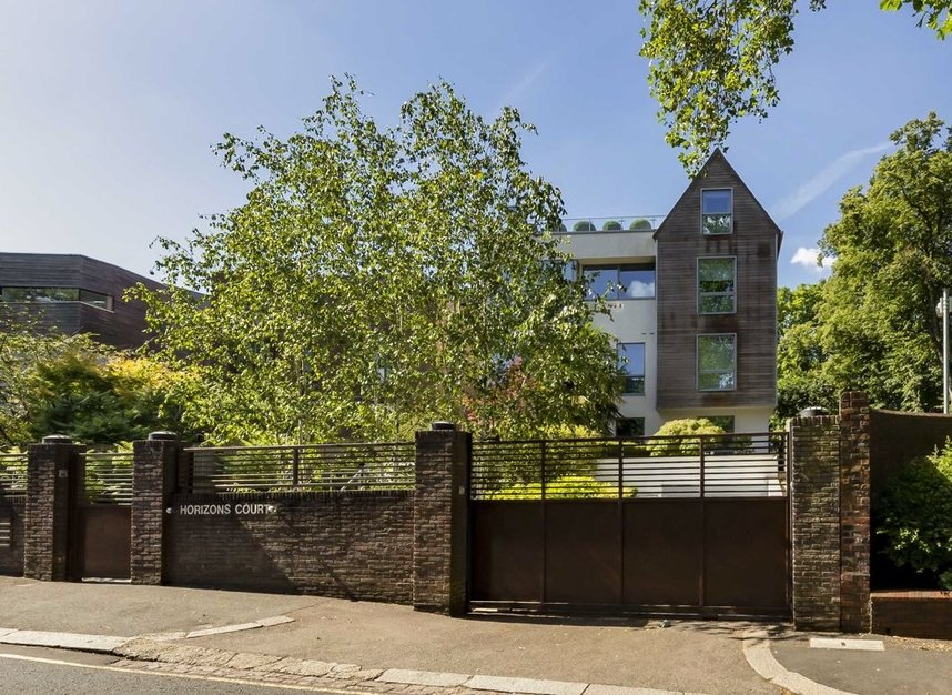 Properties for sale in West Heath Road - NW3 7TH view1