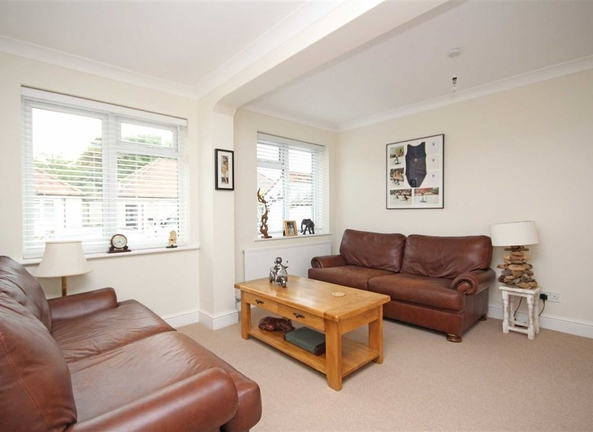 Properties for sale in Willow Way - TW16 6BT view5