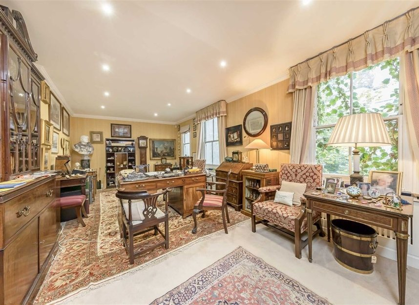 Properties for sale in Wilton Crescent - SW1X 8RN view6
