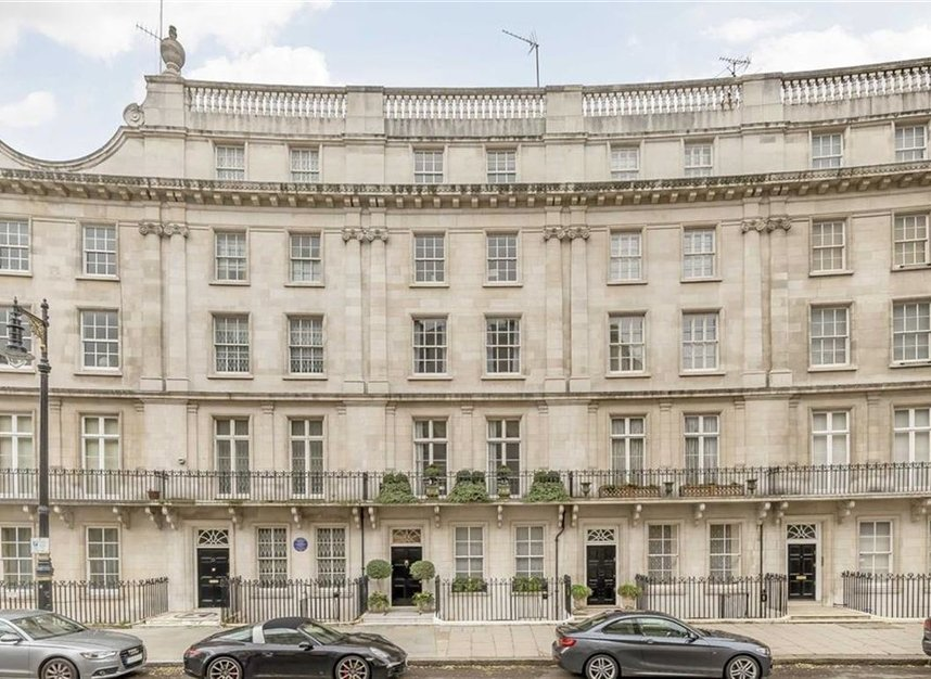 Properties for sale in Wilton Crescent - SW1X 8RN view1