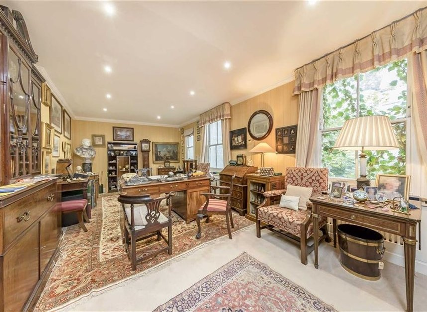 Properties for sale in Wilton Crescent - SW1X 8RN view5