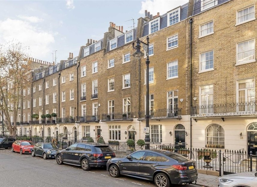Properties for sale in Wilton Place - SW1X 8RL view1