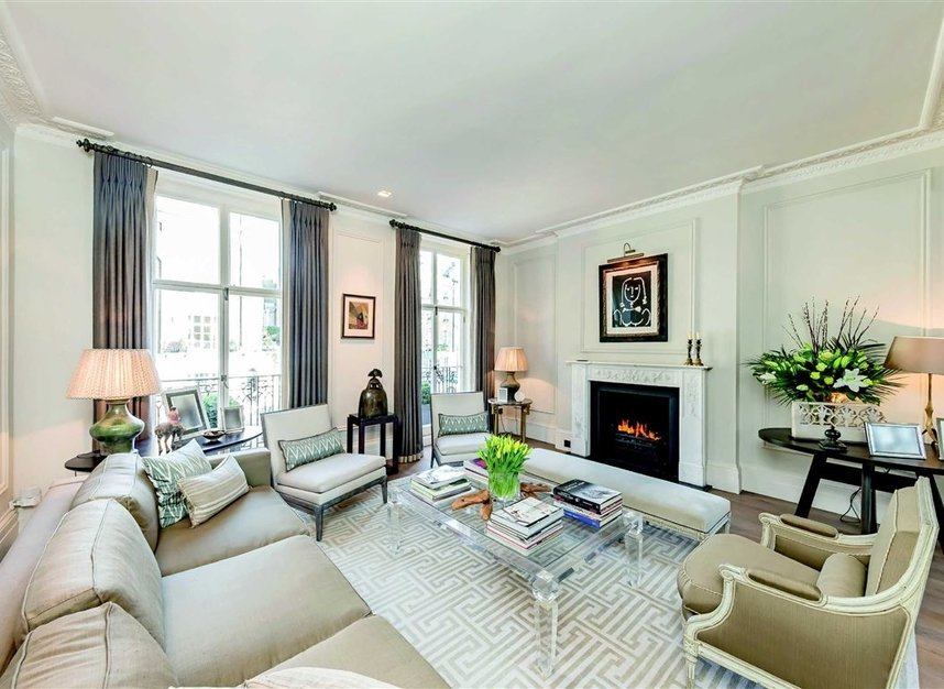 Properties for sale in Wilton Place - SW1X 8RL view3