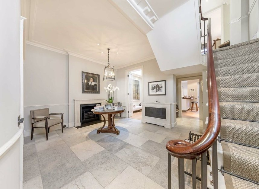Properties for sale in Wilton Place - SW1X 8RL view5