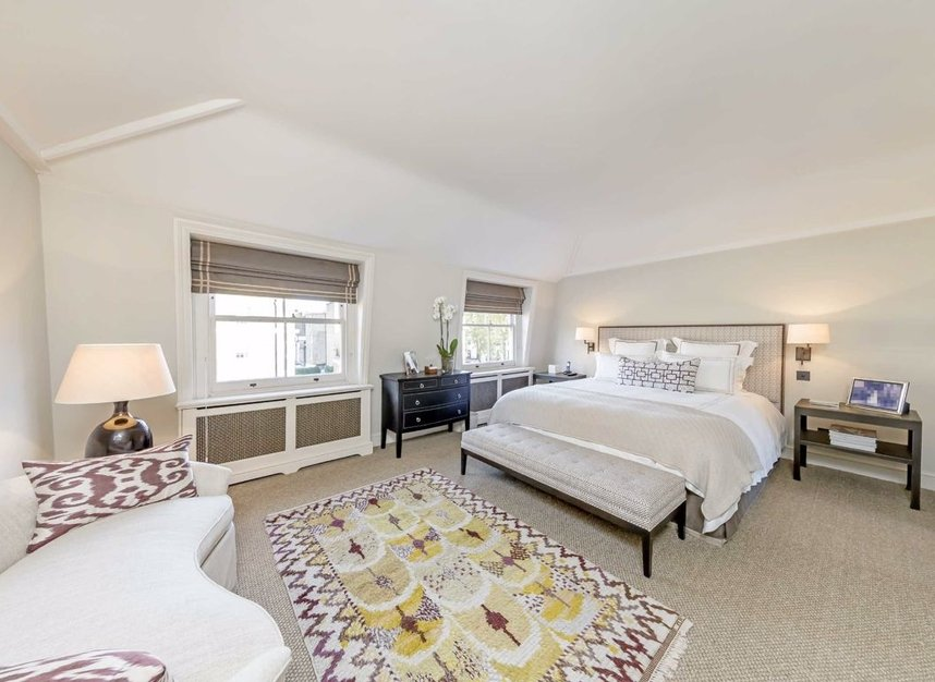 Properties for sale in Wilton Place - SW1X 8RL view8
