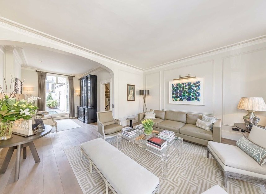 Properties for sale in Wilton Place - SW1X 8RL view2