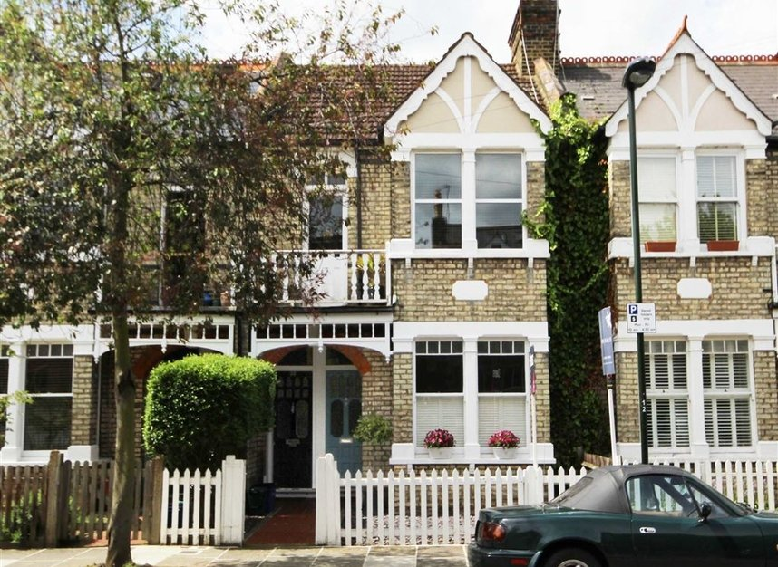 Properties for sale in Winchester Road - TW1 1LB view1