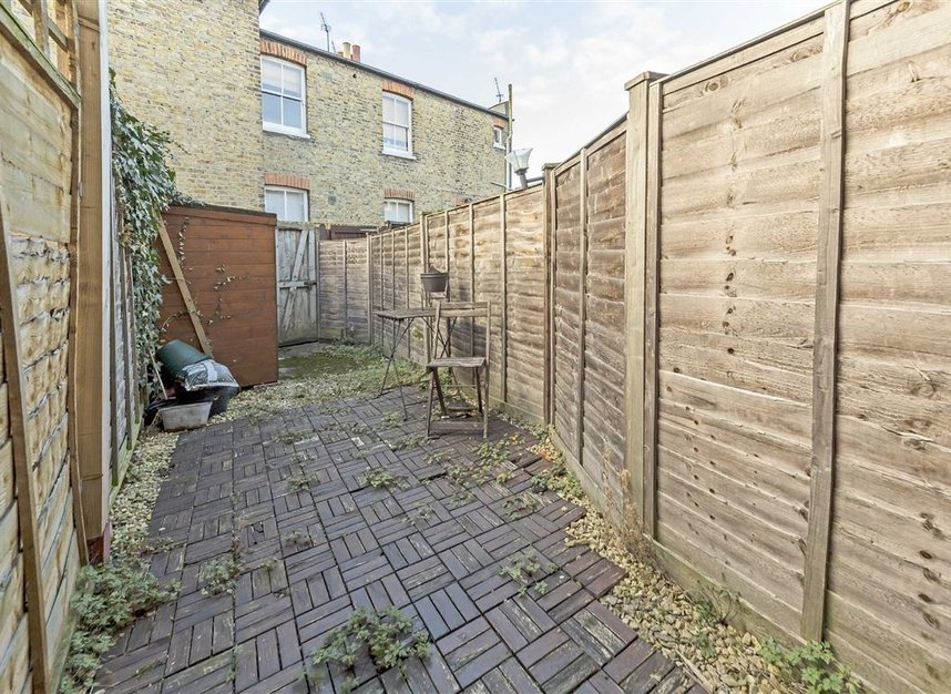 Properties for sale in Winchester Road - TW1 1LB view6