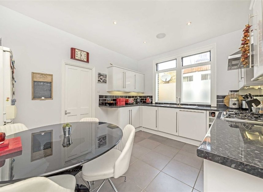 Properties for sale in Winchester Road - TW1 1LB view3