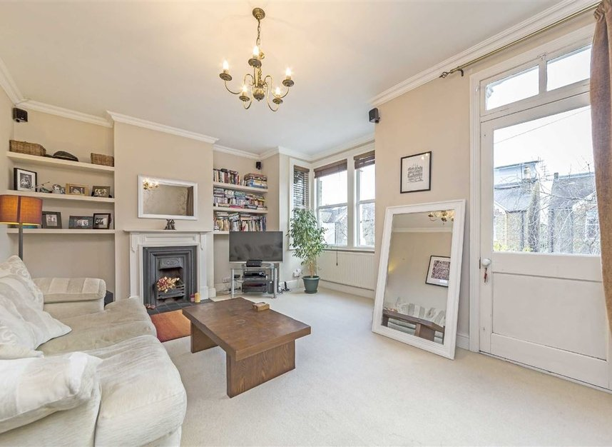 Properties for sale in Winchester Road - TW1 1LB view2